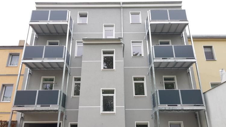 Balkone und Balkongelaender 12