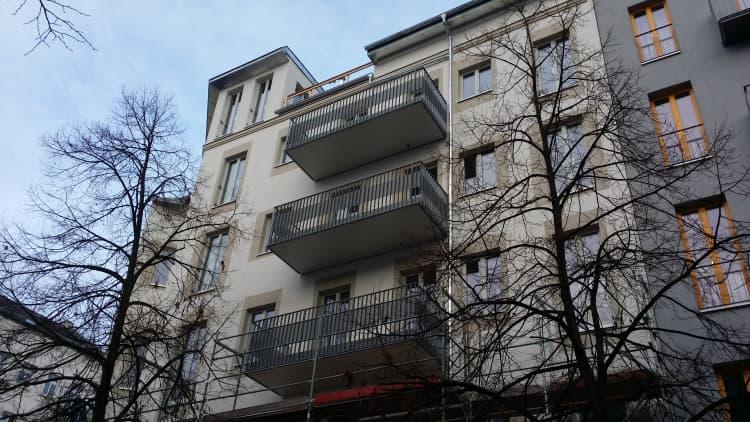 Balkone und Balkongelaender 16