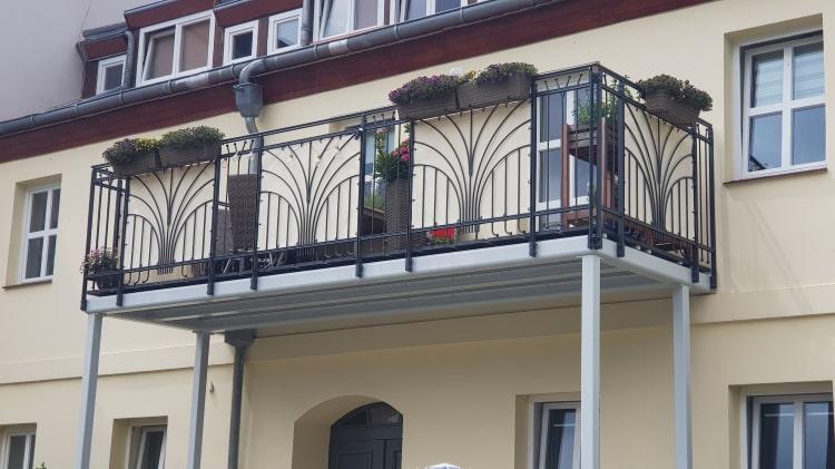 Balkone und Balkongelaender 8