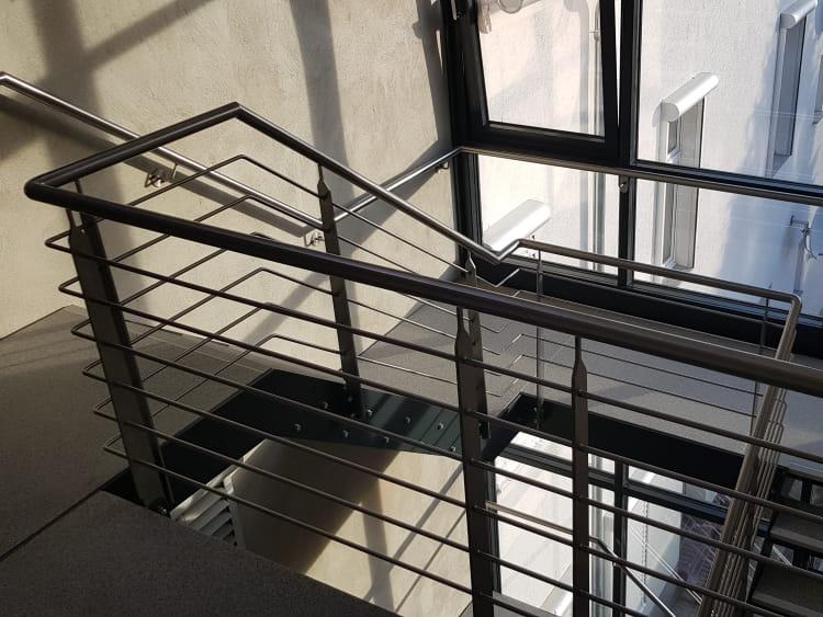 Treppenhaus mit Fassade 1