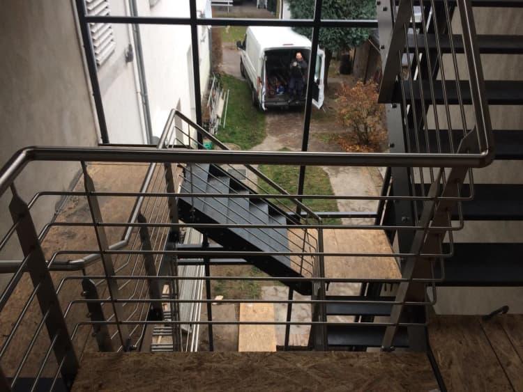 Treppenhaus mit Fassade 4